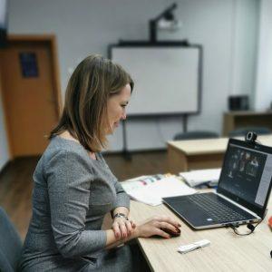 Как за неделю школа английского языка EnRiver перешла на онлайн обучение